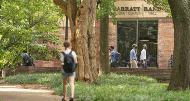 Students entering Rand/Sarratt
