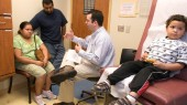Health care workers can improve communication with Latino patients with new Vanderbilt course