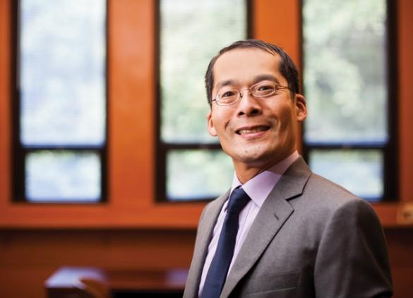 Atsushi Inoue, professor of economics