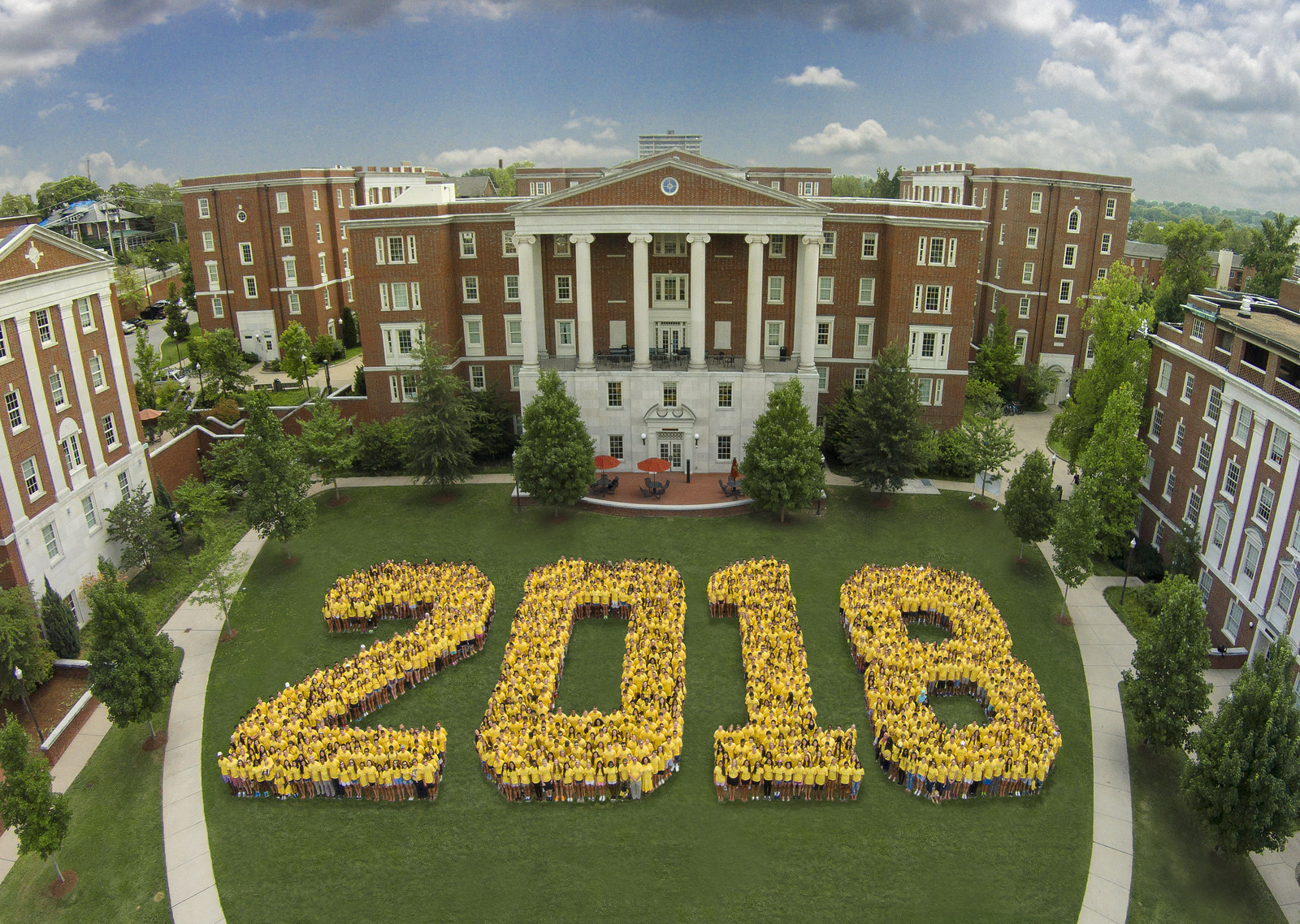 Class of 2018 spelling out 2018 on Commons Lawn