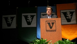 Photo for Chancellor reviews a year of dialogue, change and renewed energy at Spring Faculty Assembly