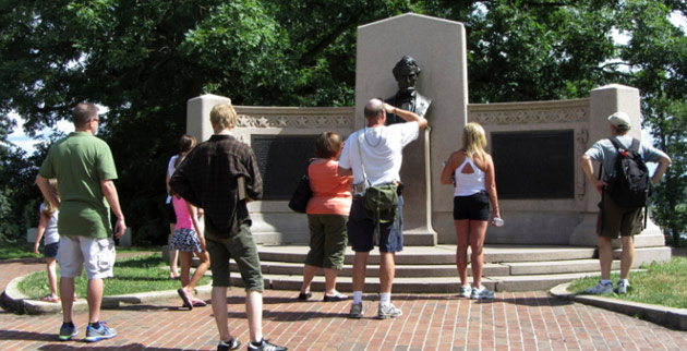 a discussion on the gettysburg address Gettysburg address questions and answers - discover the enotescom community of teachers, mentors and students just like you that can answer any question you might have on gettysburg address.