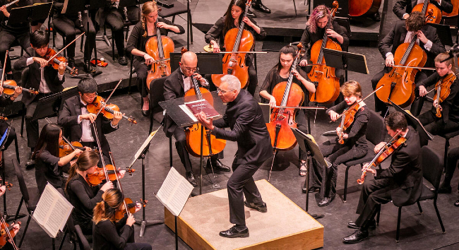 Robin Fountain conducts the Vanderbilt University Orchestra at Ingram Hall in February 2020. (Anne Rayner)