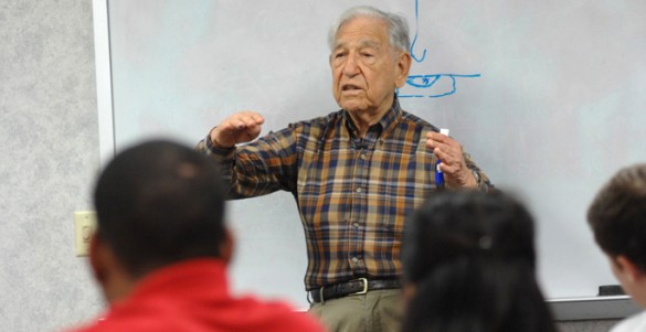 Legendary Vanderbilt scientist Stanley Cohen, Ph.D., talks to students during a 2009 visit to the Medical Center.