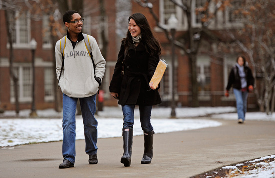 Students Nicholas Aubourg (left) and Hannah Kim make their way to class on the Vanderbilt campus. (John Russell/Vanderbilt)