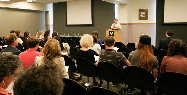 Dean Frank Wcislo addresses participants at the Vanderbilt Undergraduate Writing Symposium in 2012. (Vanderbilt University)