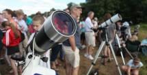 Hundreds gathered at Vanderbilt Dyer Observatory June 5, 2012, to view the historic transit of Venus across the sun through special solar telescopes. (Daniel Dubois/Vanderbilt)
