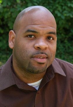 outdoor headshot of Jonathan Waters