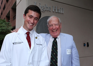 White coats a fine fit for incoming medical students | VUMC ...