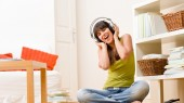 Vanderbilt researchers find rise in teen hearing loss; offer headphone safety tips