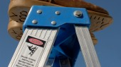 Vanderbilt Emergency Medicine physician offers spring cleaning ladder safety tips