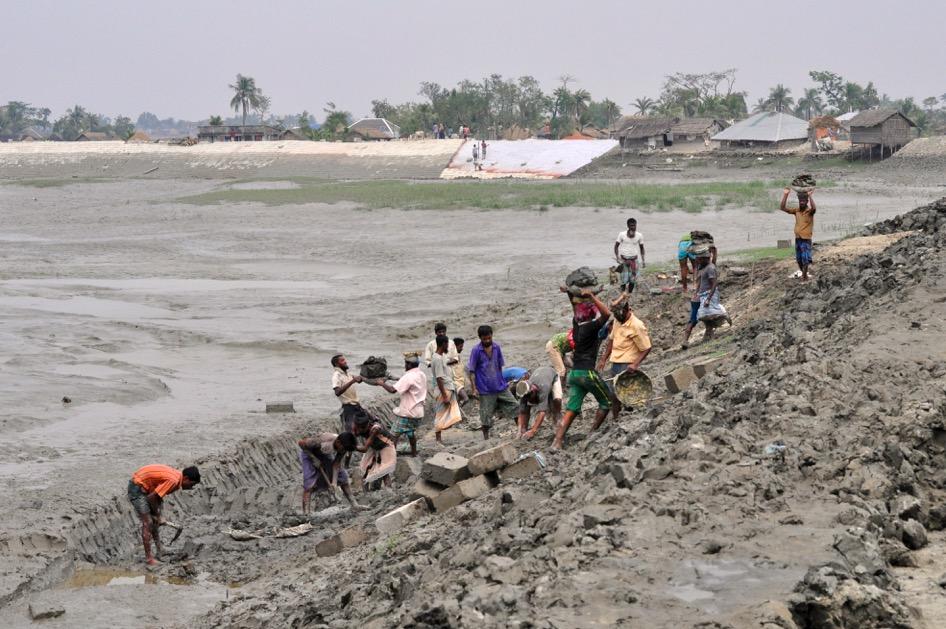 flooding in bangladesh In bangladesh: focus on coastal flooding and the sundarbans by shardul agrawala, tomoko ota, ahsan uddin ahmed, joel smith and maarten van aalst.