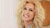 Little Big Town singer to sign cookbook at Barnes & Noble