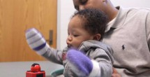 'Sticky mittens' offer clues to infant development