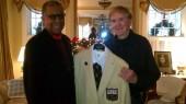 Hall of Famer plans to sport Vanderbilt tie while presenting Super Bowl trophy