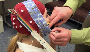 "Electric ""thinking cap"" controls learning speed"