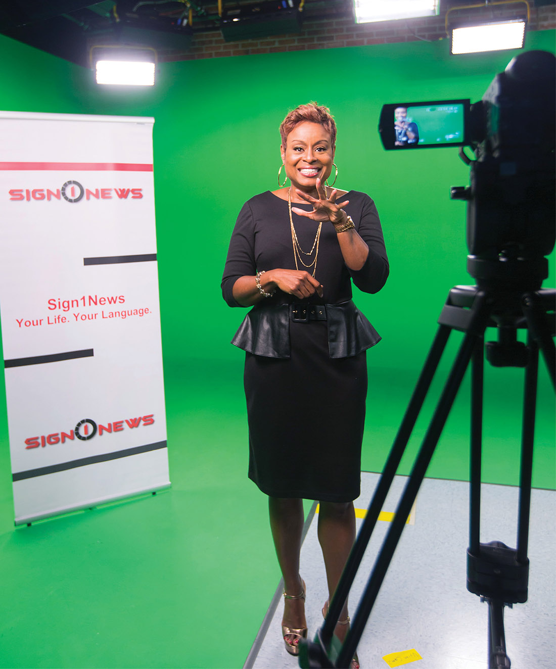 Karen Graham, BA'87, left her longtime job as anchor for an Atlanta television station to found Sign1News, the first and only network to cater to the deaf community in American Sign Language. (KAY HINTON)